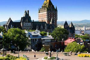 قصر فرونتناس في كندا