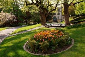 منتزه بارك دو مون ريبوس Parc de Mon-Repos في لوزان