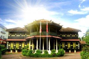 قصر أستانا جهار في كوتا بهارو