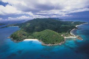 جزيرة لاهافياني اتول في المالديف