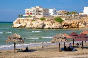 شاطيء القرم في مسقط - سلطنة عمان