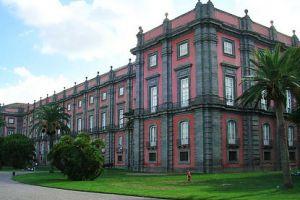 متحف كابوديمونتي في نابولي