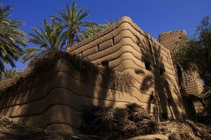 قرية المشكاة وبيوت الطين في نجران