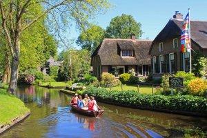 قرية جيثورن في هولندا