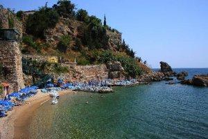 شاطئ مرمرلي في أنطاليا تركيا