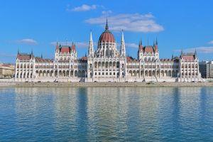 مبنى البرلمان في بودابست