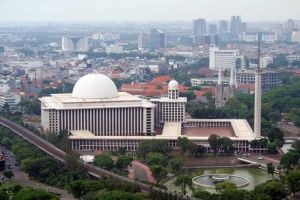 مسجد الاستقلال في جاكرتا - إندونيسيا