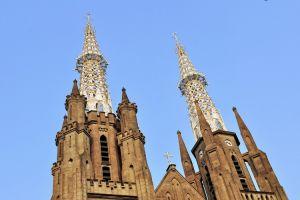 كاتدرائية جاكرتا في إندونيسيا
