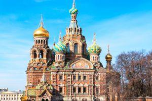 كنيسة المخلص على الدم المراق في سانت بطرسبرغ