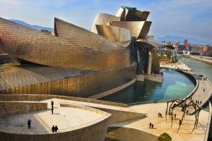 متحف غوغنهايم Guggenheim Museum في بلباو