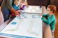 الاطفال يستمتعون بزيارة المتاحف في فيينا
